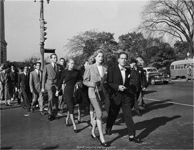 Bogart e Bacall in marcia contro il Maccartismo.
